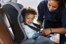 Niños y bebés: ¿cómo elegir sus sillas para el coche?